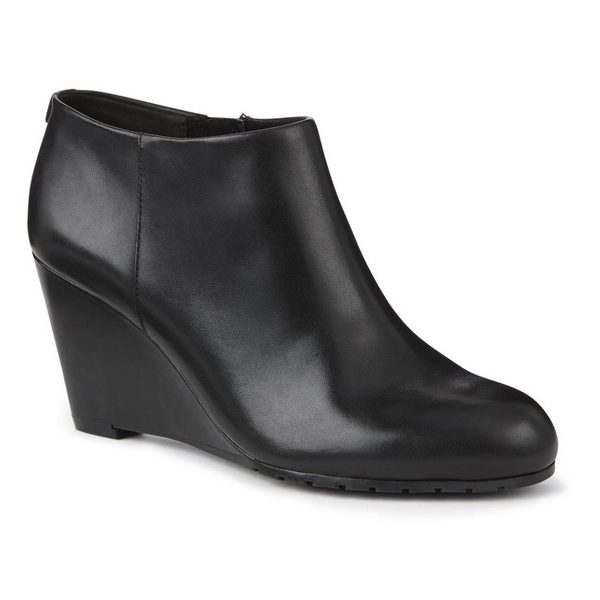 d22706421 Sears Sears.ca  Take Up to 65% Off Clearance Shoes for Men   Women + FREE  Shipping on All Orders